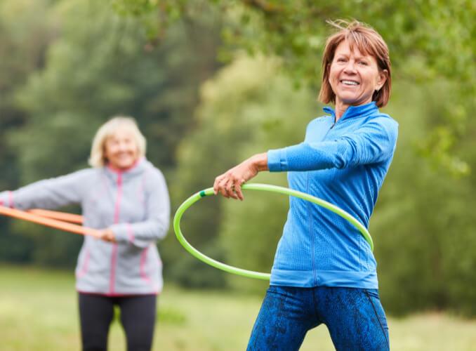 women hula hooping
